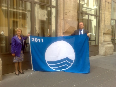Menfi bandiera blu 2011 - L'assessore Ocello e il Sindaco Botta a Roma